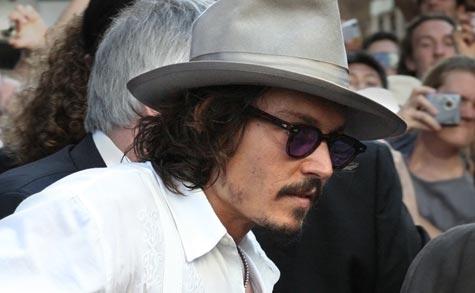 Johnny Depp möchte sich als berühmter Whisky-Trinker in einem Whiskyfass beerdigen lassen